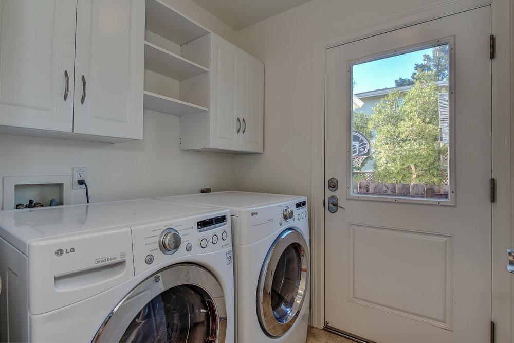 15_laundry_15624 Linda Ave Los Gatos CA-print-024-7-Laundry Room-3676x2453-300dpi.jpg