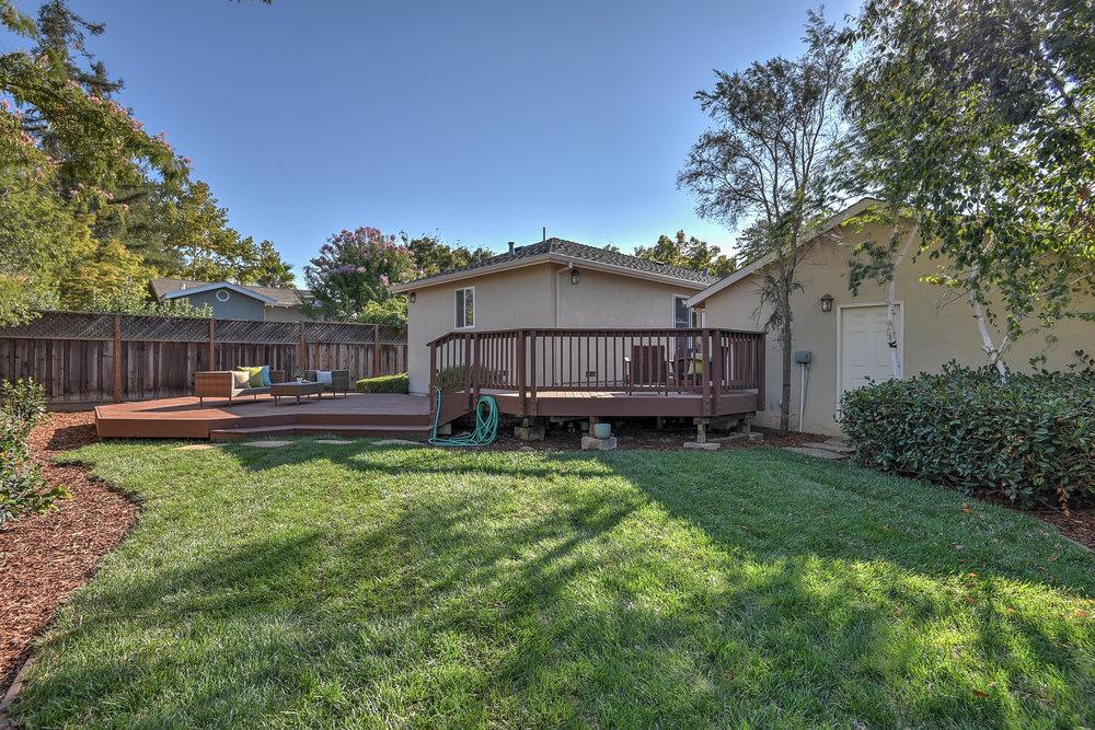 21_back lawn_15624 Linda Ave Los Gatos CA-print-028-18-Backyard-3669x2449-300dpi.jpg