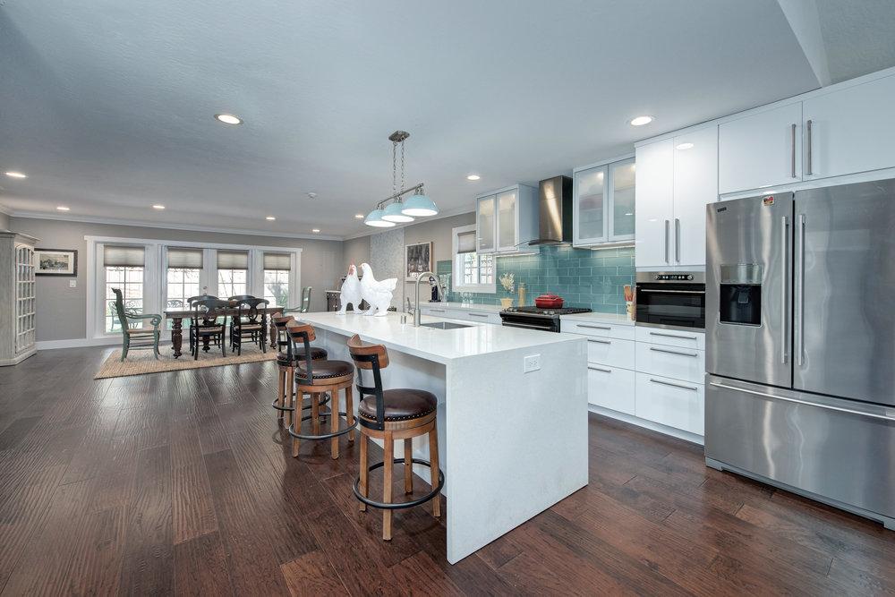 4_kitchen1.jpg