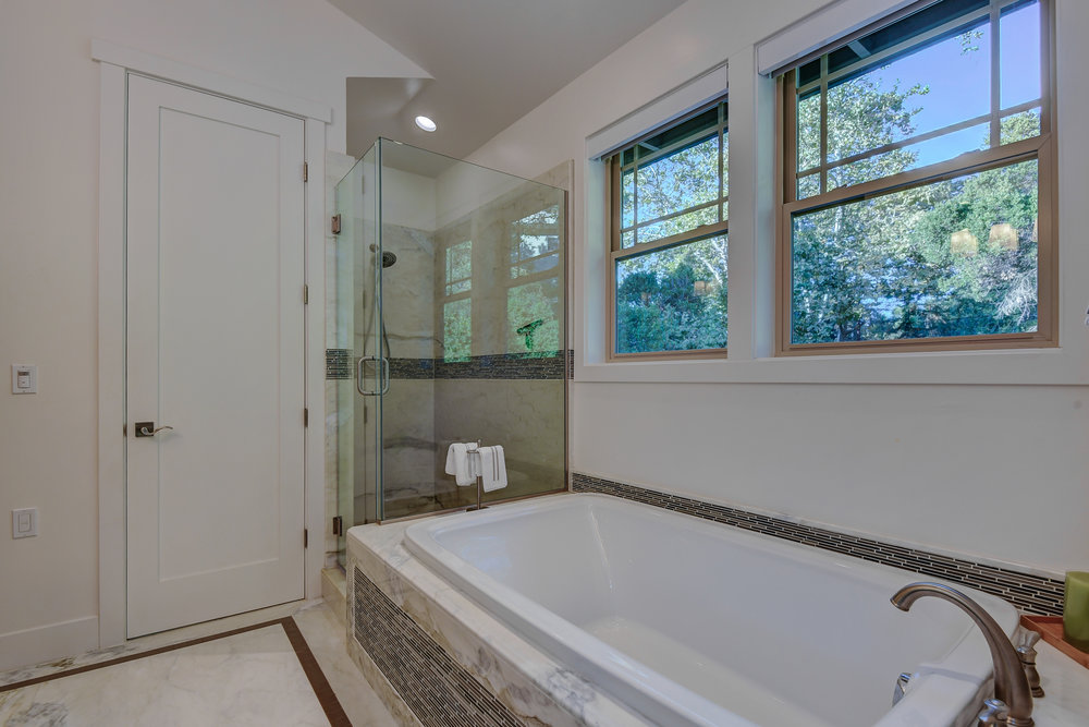 18_142 Placer Oaks Ct Los Gatos-print-021-40-Master Bathroom Two-4109x2740-300dpi.jpg