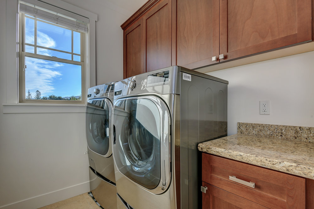26_142 Placer Oaks Ct Los Gatos-print-031-16-Laundry Room-4117x2743-300dpi.jpg