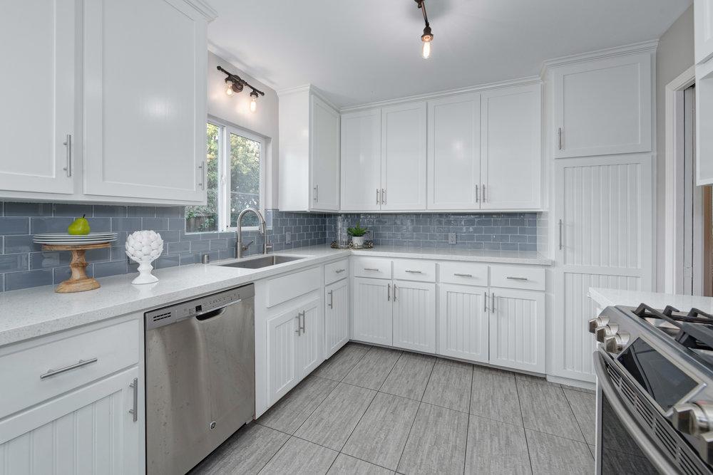 7_kitchen.jpg