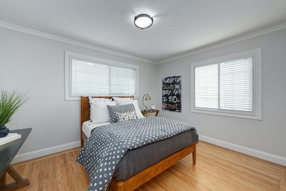 14_bedroom.jpg