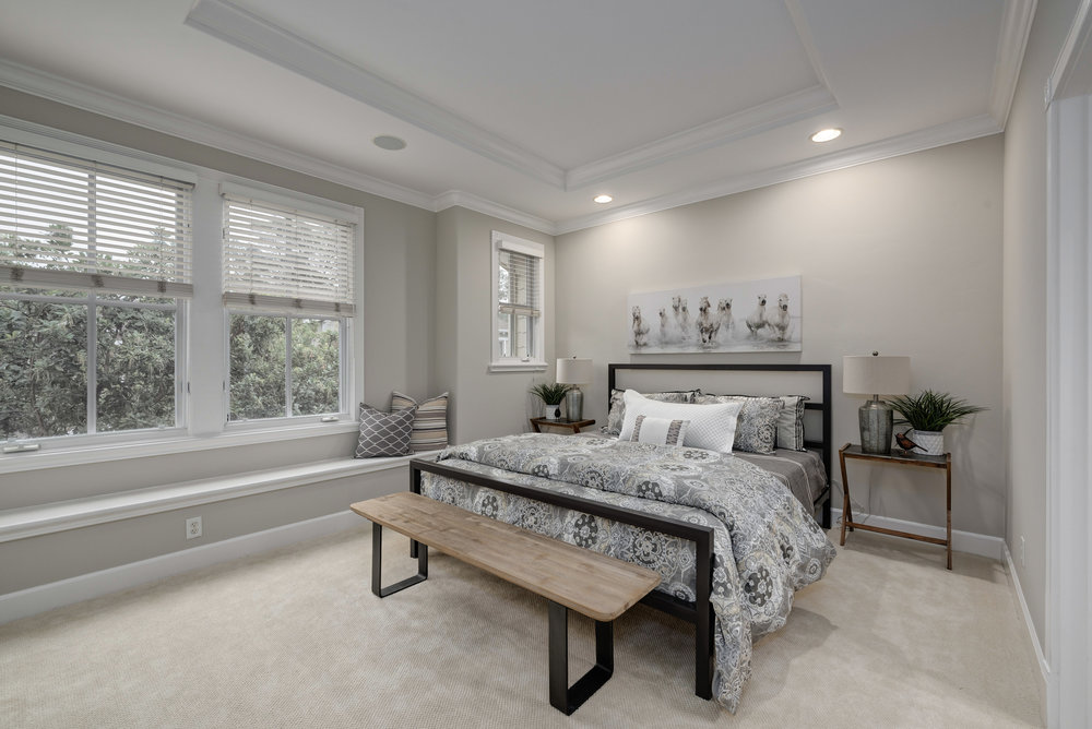 Bed1_100 Boyer Ln_Ducky Grabill Real Estate.jpg