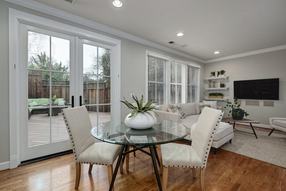 Dining1_100 Boyer Ln_Ducky Grabill Real Estate.jpg