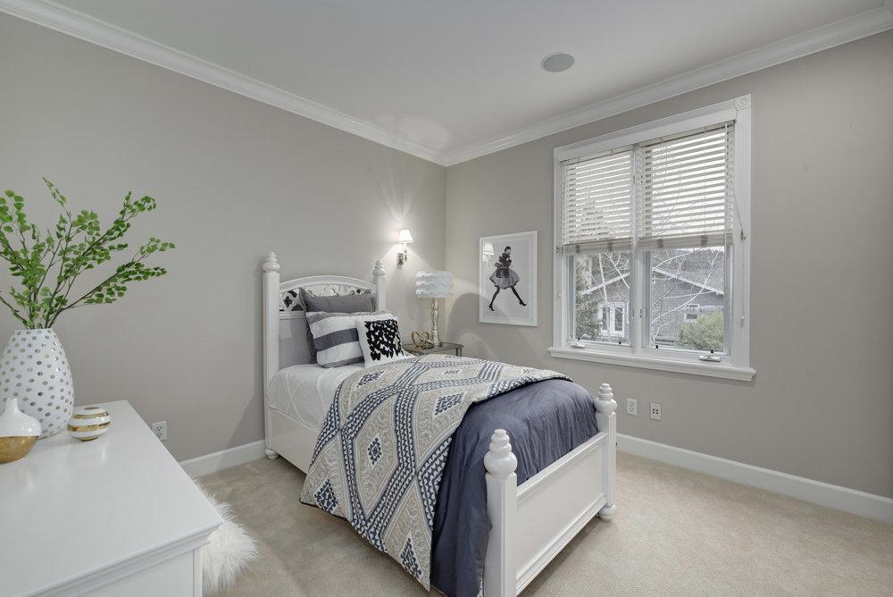 Bed3_100 Boyer Ln_Ducky Grabill Real Estate.jpg