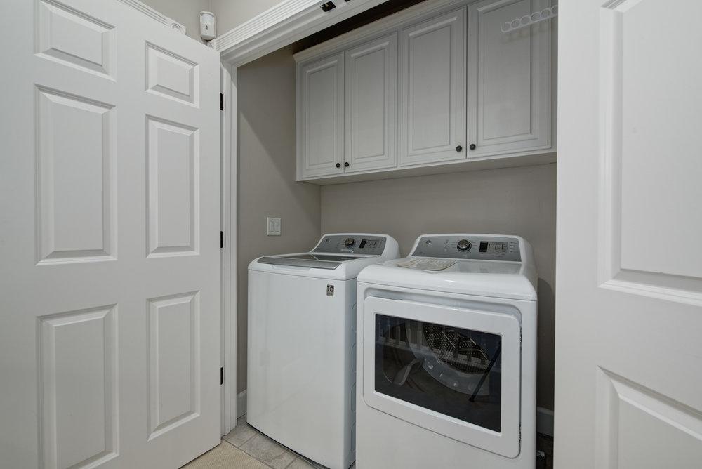 Laundry_100 Boyer Ln_Ducky Grabill Real Estate.jpg