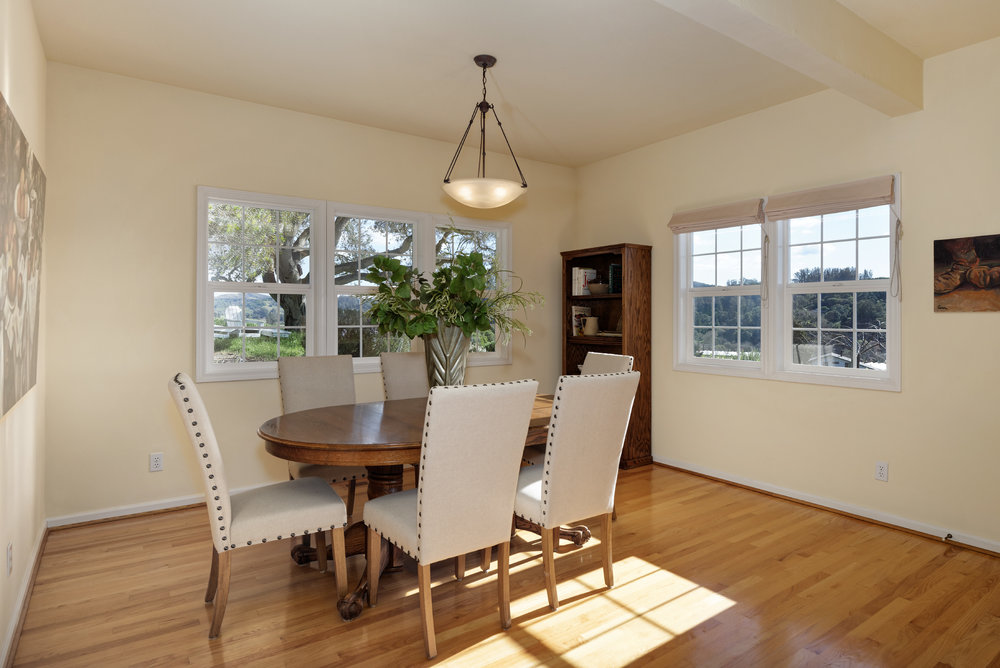 Dining_706 Carpenteria R_Ducky Grabill Real Estate.jpg