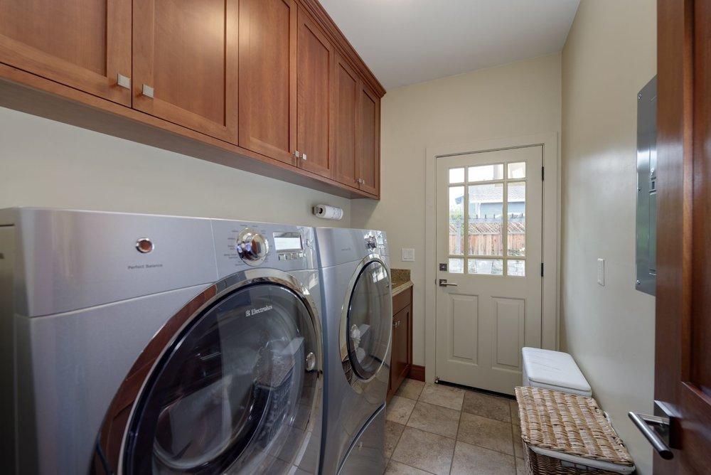 16_Laundry.jpg