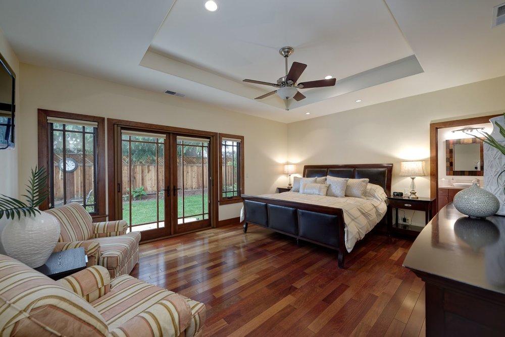18_Master Bedroom.jpg