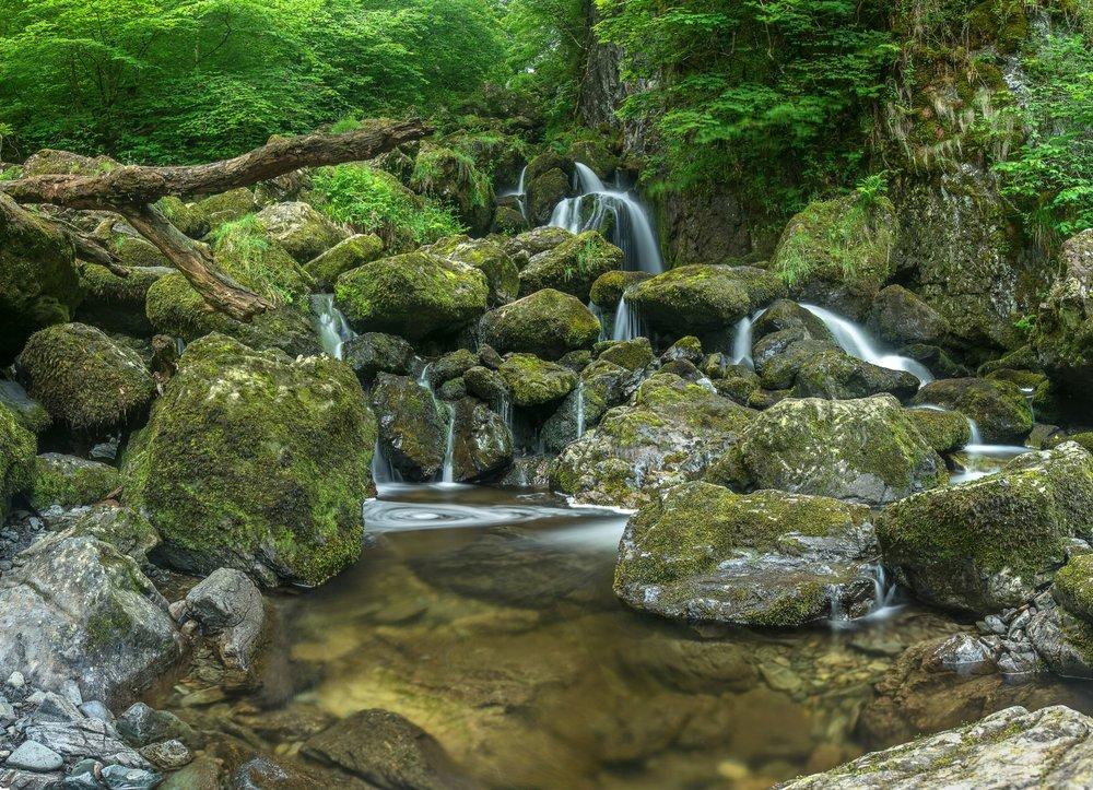 Lodore Falls 1 sRGB v3.jpg
