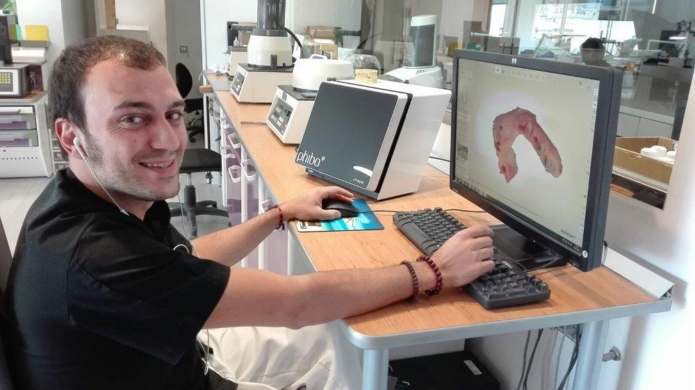 ¿Quieres saber cómo realizar tus trabajos con lo último en tecnología? - Víctor Fabuel te comenta los sistemas de CAD/CAM con el que trabajamos nosotros en el Laboratorio August Bruguera.
