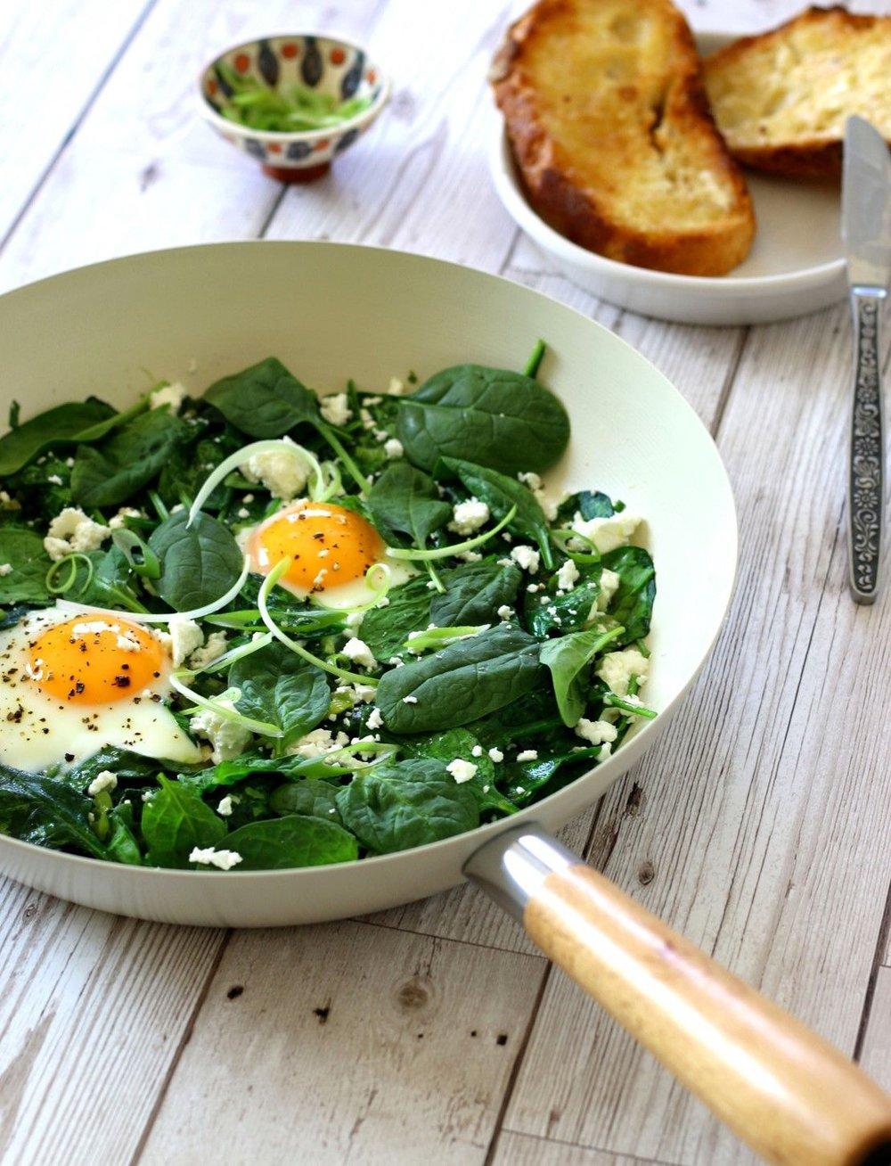 green-shakshuka-eggs-breakfast-recipe-tiny-budget-cooking.jpg