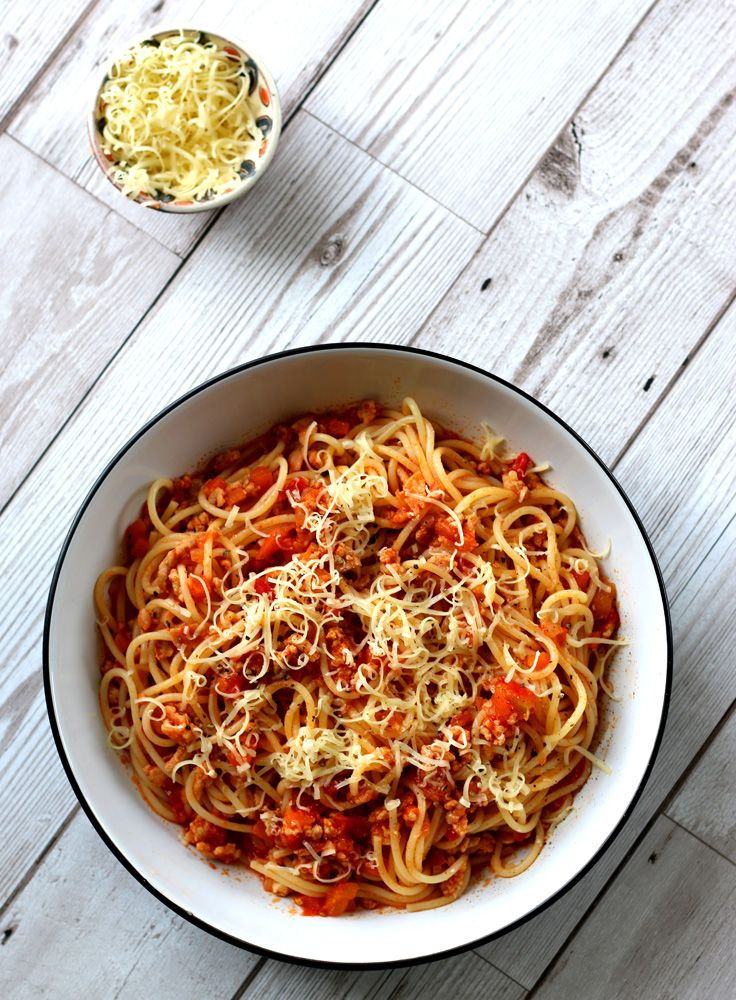 Tomato ragu with spaghetti
