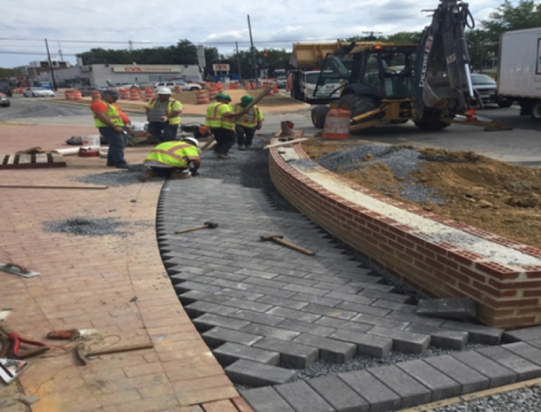Installation Permeable Paver Sidewalk BR-C3