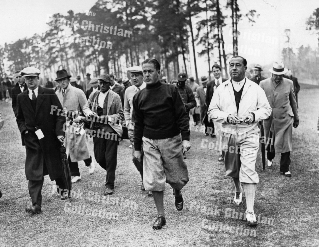 7101002 - Bobby Jones with Walter Hagen — Golf Historical Photos