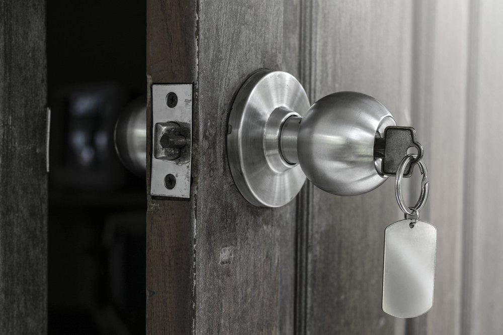 iStock-856981522door.jpg