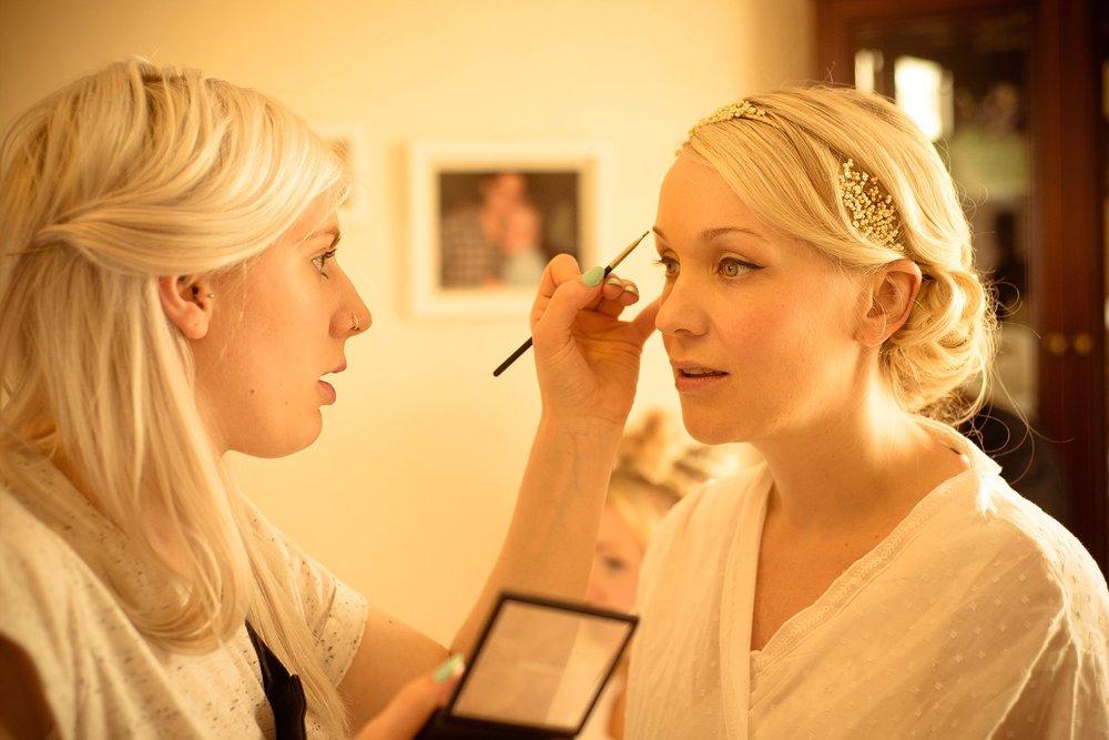 Vintage Amy Wedding Styling-My Vintage Wedding-Wedding Make-up