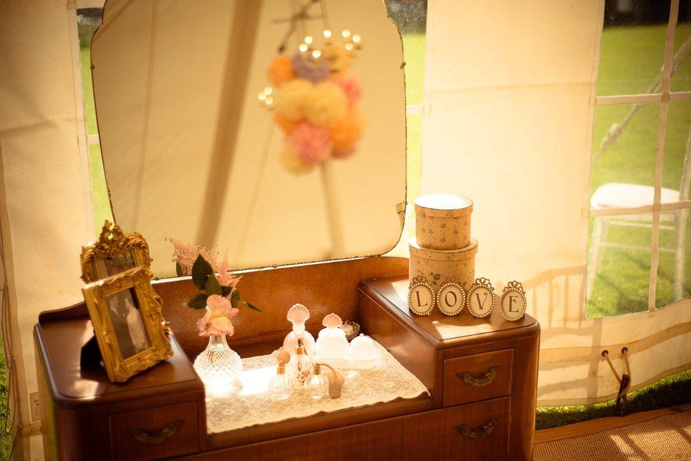 Vintage Amy Wedding Styling-My Vintage Wedding-Vintage Dressing Table