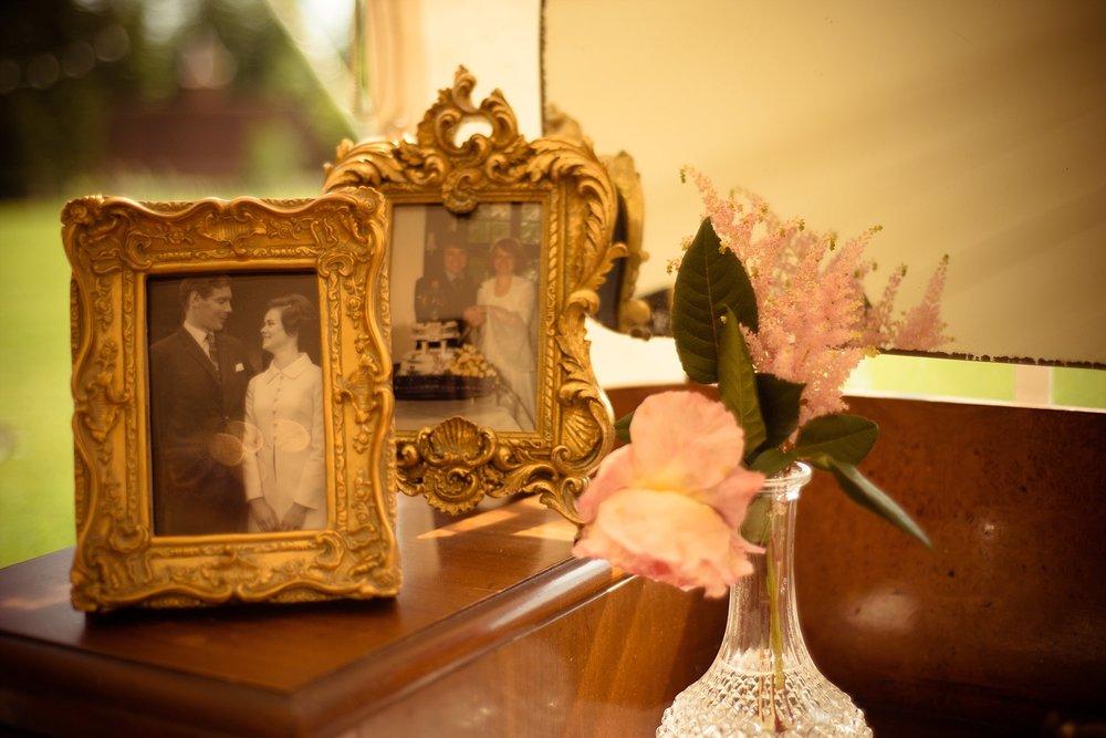 Vintage Amy Wedding Styling-My Vintage Wedding-Vintage Dressing Table Wedding Photo Display