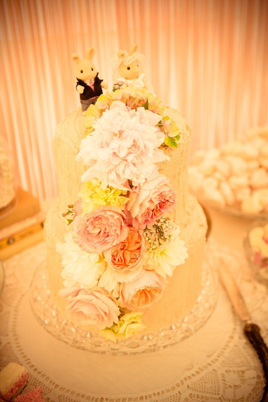 Vintage Amy Wedding Styling-My Vintage Wedding-Vintage Wedding Cake
