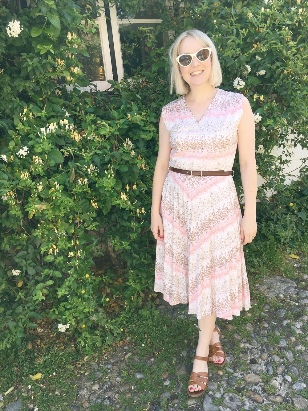 In my vintage dress on the cobbled streets of Rye