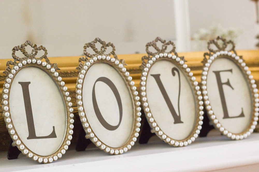 These vintage style frames are so pretty for an elegant vintage wedding. Style them on a mantle or I can replace the LOVE and add table numbers for you to use on each table.
