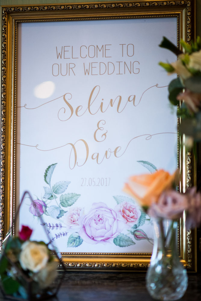 Vintage Amy Wedding Styling-Vintage Welcome Sign Wedding-Elegant Vintage Wedding Kent