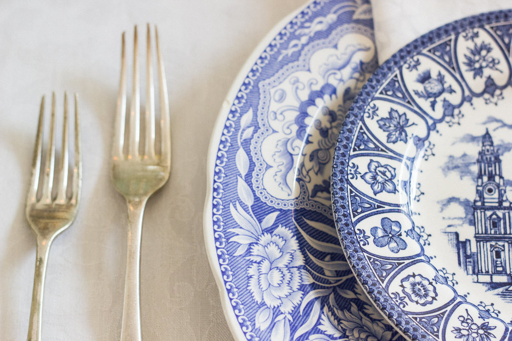 Vintage Amy Wedding Hiring-China Hire Kent-Vintage Blue and White China