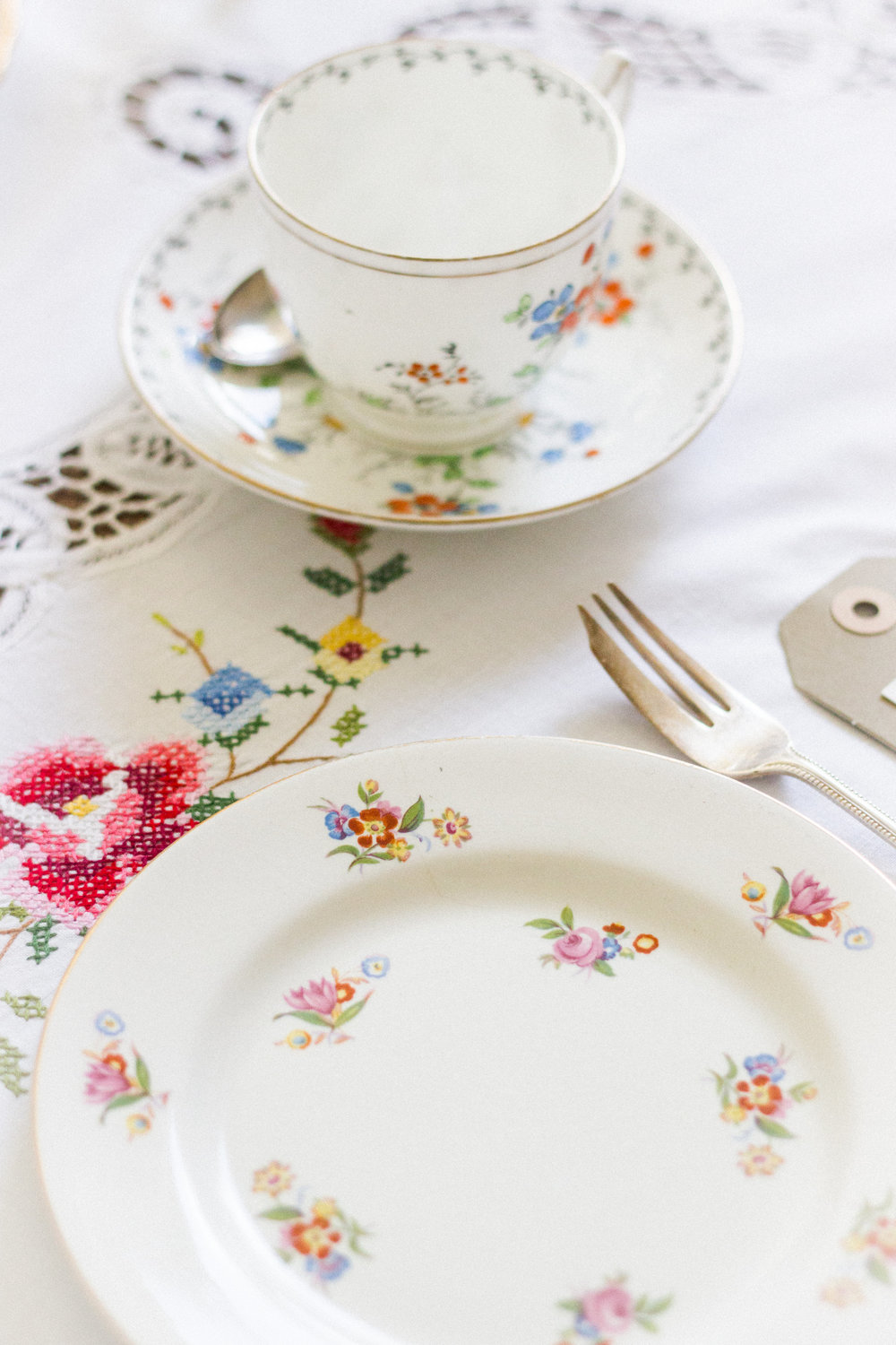 Vintage Amy Wedding Styling-Vintage China to Hire Kent