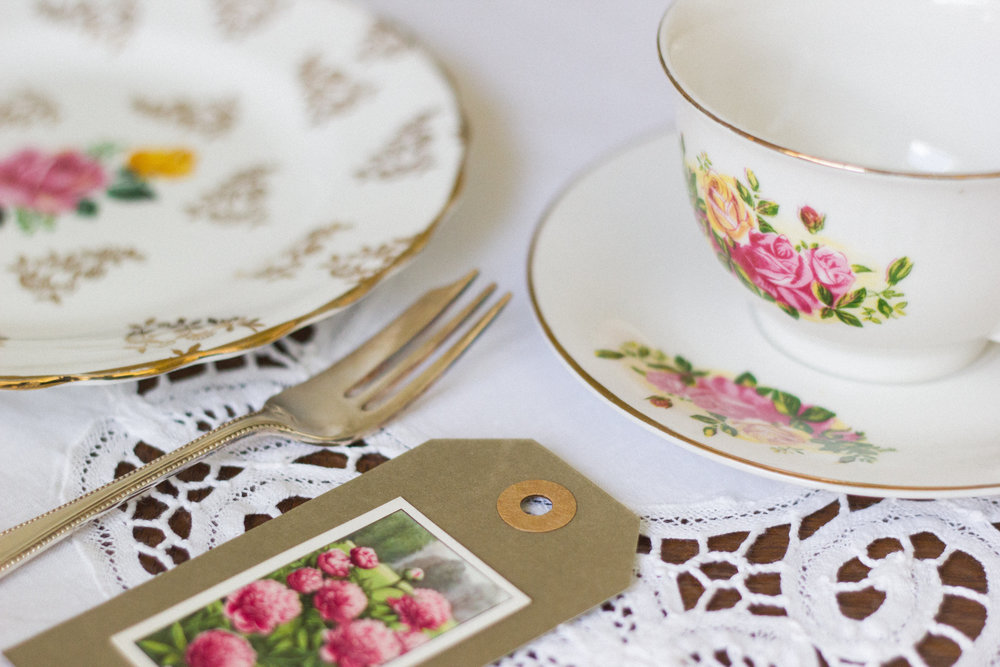 Vintage Amy Wedding and Event Hiring-Vintage Decor and China to Hire-Kent and Sussex