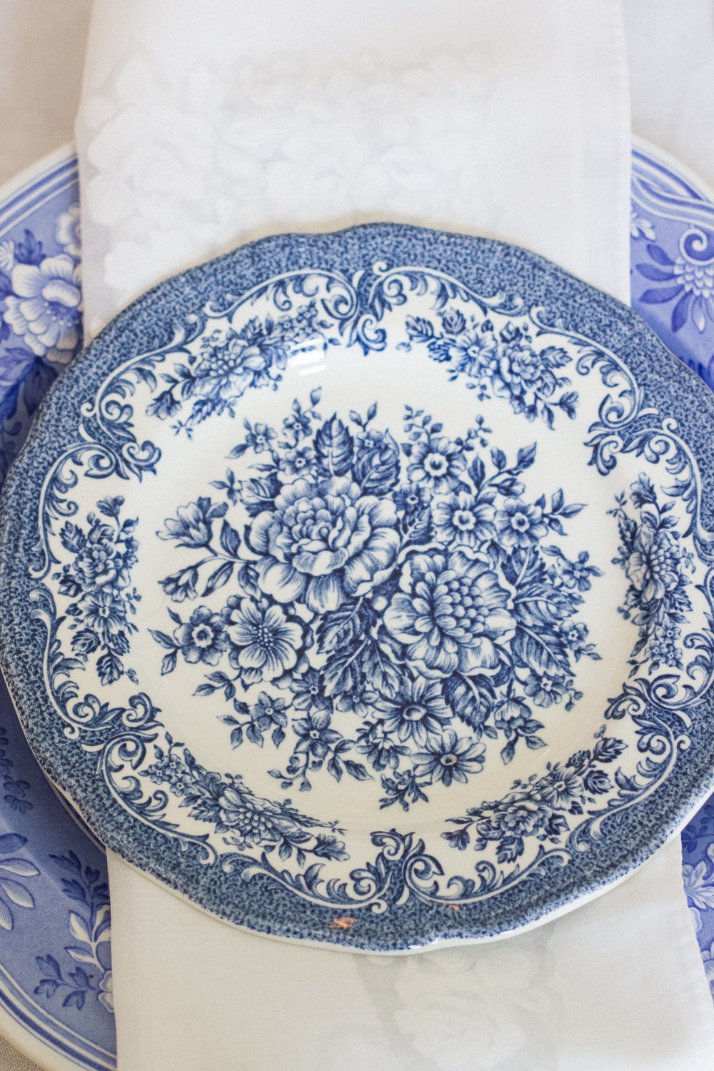 Vintage Amy Wedding Styling-Vintage Blue and White Plates To Hire-Vintage Decor Hire-Kent and Sussex