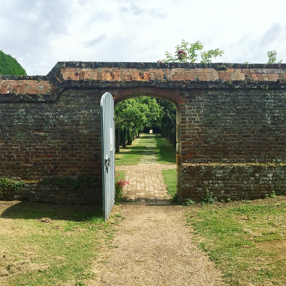 Another door in a wall! You can't beat them, and I just love this tree-lined path at Penshurst Place.