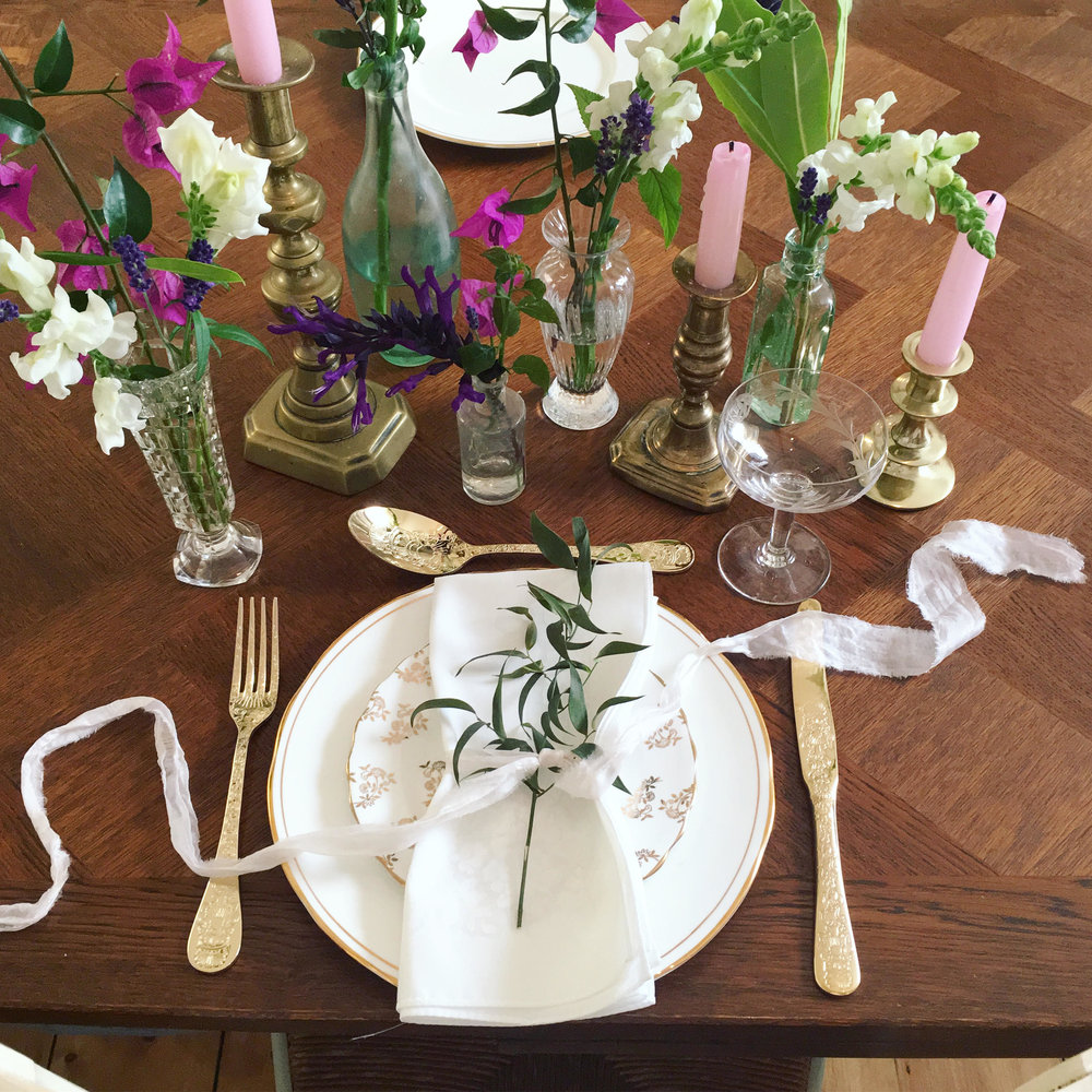 Vintage Amy Wedding Styling-Vintage Table Setting-Gold Cutlery-Wedding Styling and Hiring Kent