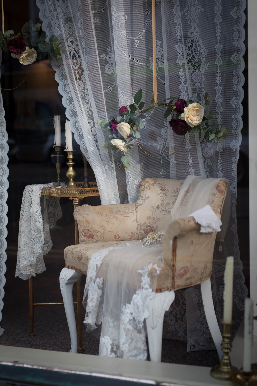 Vintage Amy Wedding Styling-Styling Tips Blog-Vintage Styled Wedding Shop Window Kent