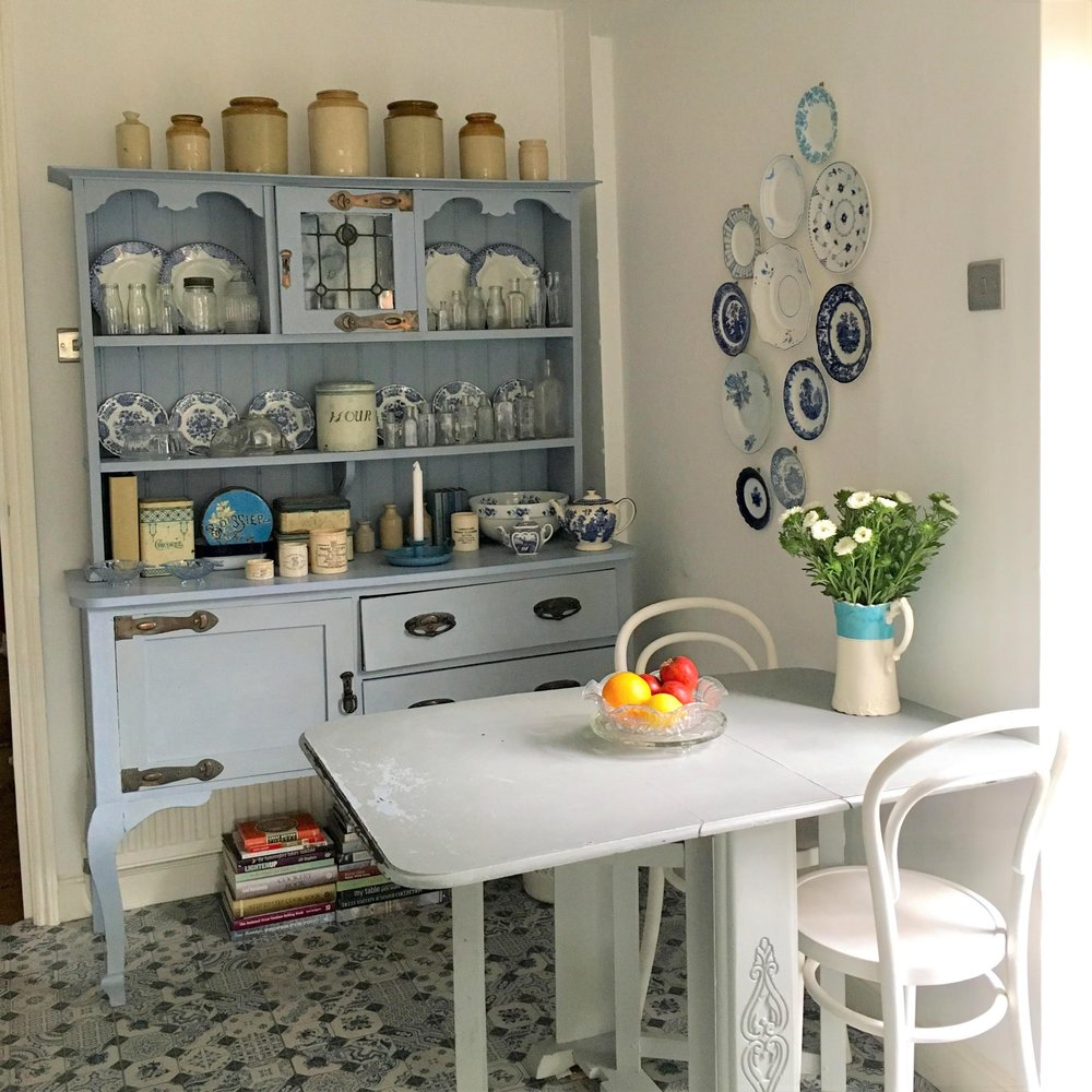 Vintage Amy Styling Tips-Vintage Blue and White Kitchen-Stylist Kent