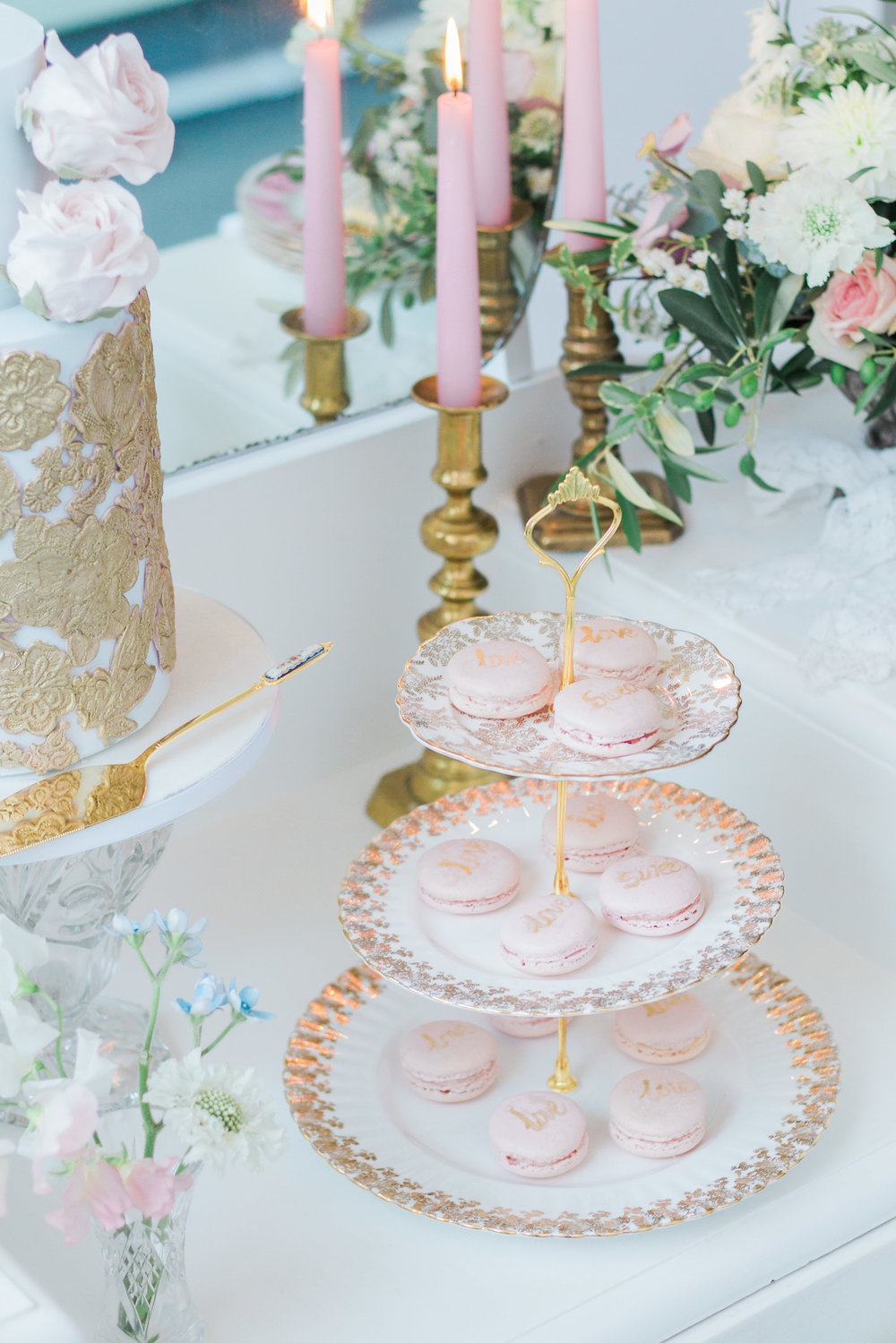 Vintage Amy Wedding Styling-Vintage Luxe Wedding Reception London-Vintage Dressing Table Dessert Table