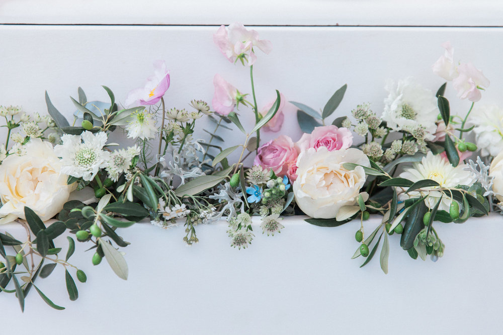 Vintage Amy Wedding Styling-Vintage Luxe Wedding Reception London-Vintage Dessert Dressing Table