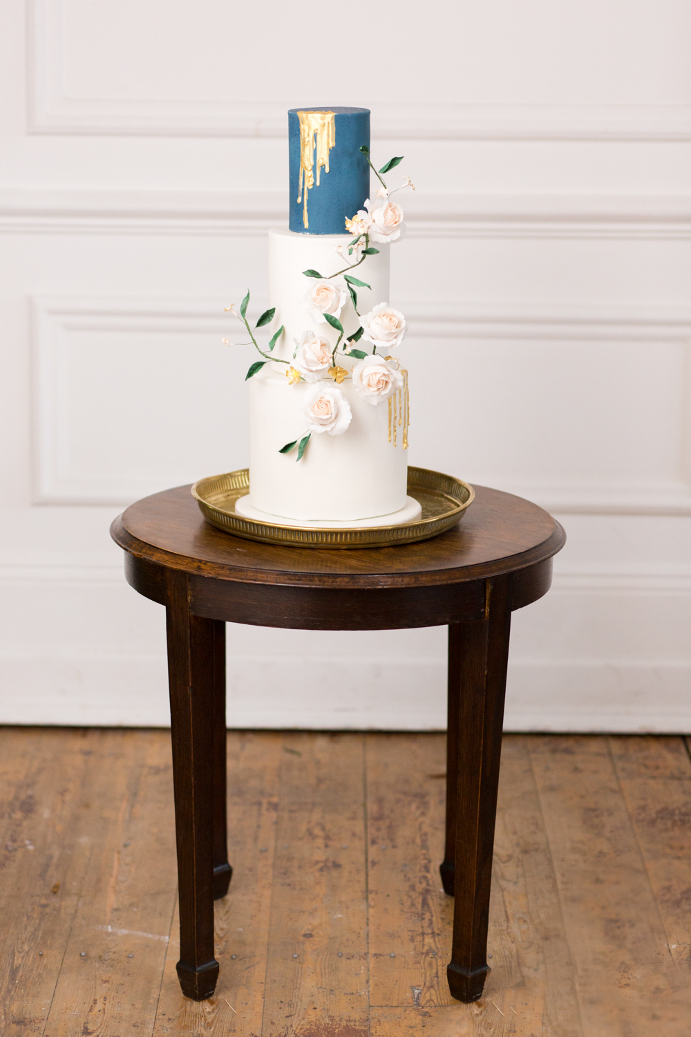 The Timeless Stylist - Wedding Cake