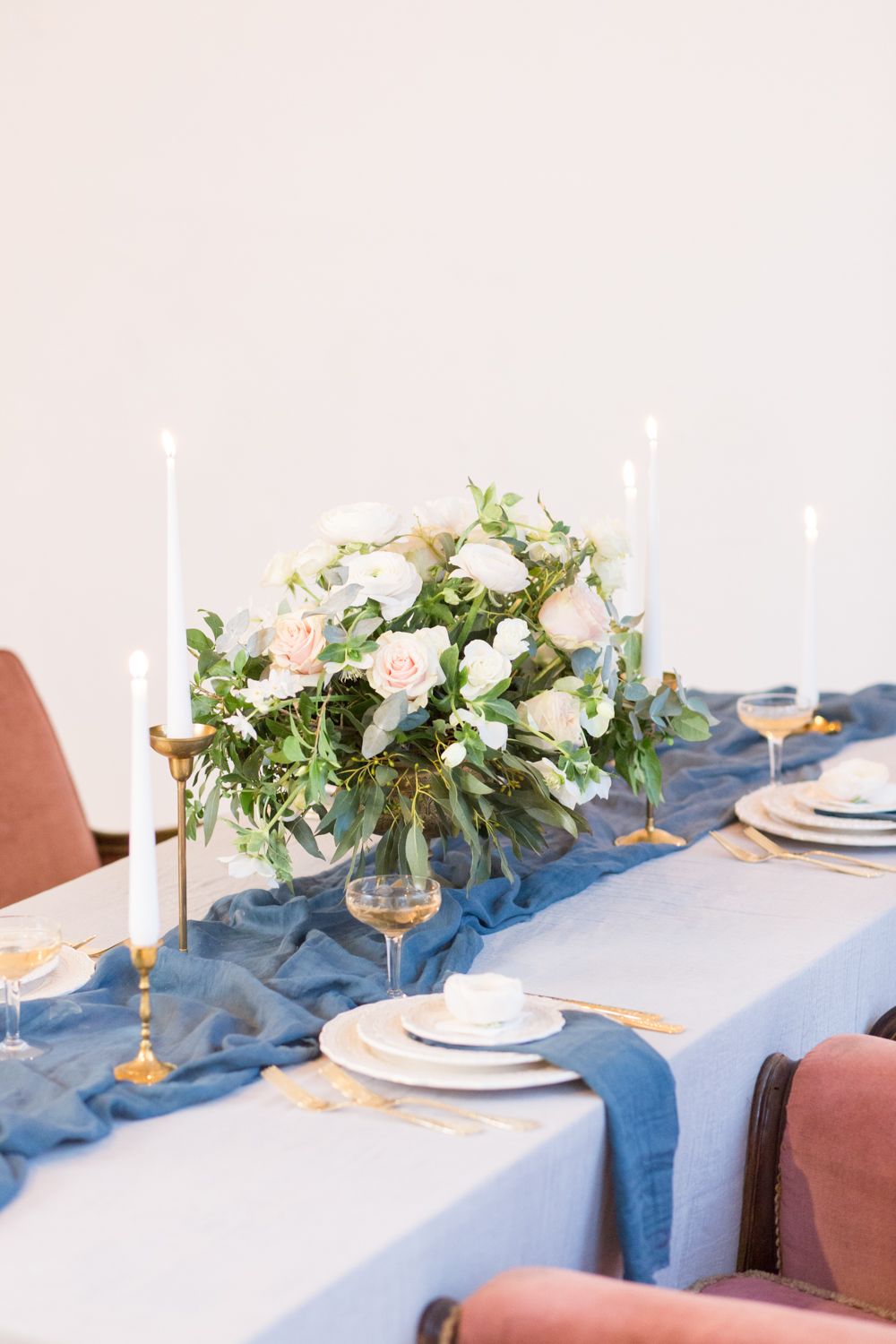 The Timeless Stylist - Elegant Wedding Tablescape