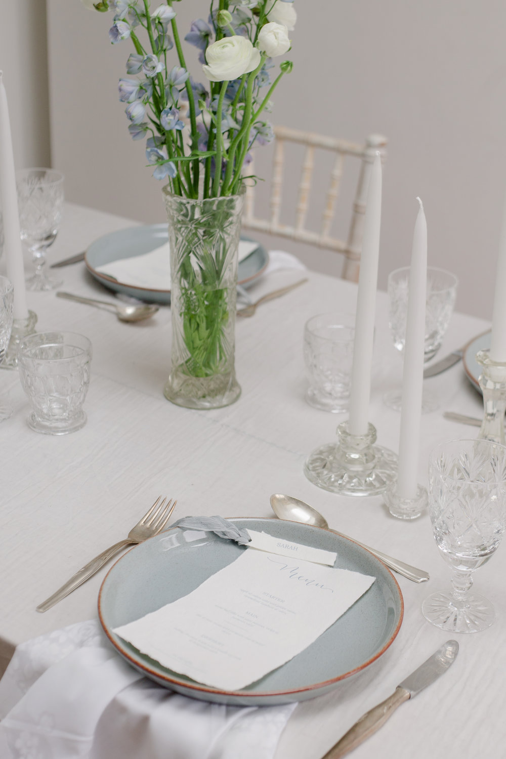 The Timeless Stylist - Simple Yet Stunning Wedding Tablescape