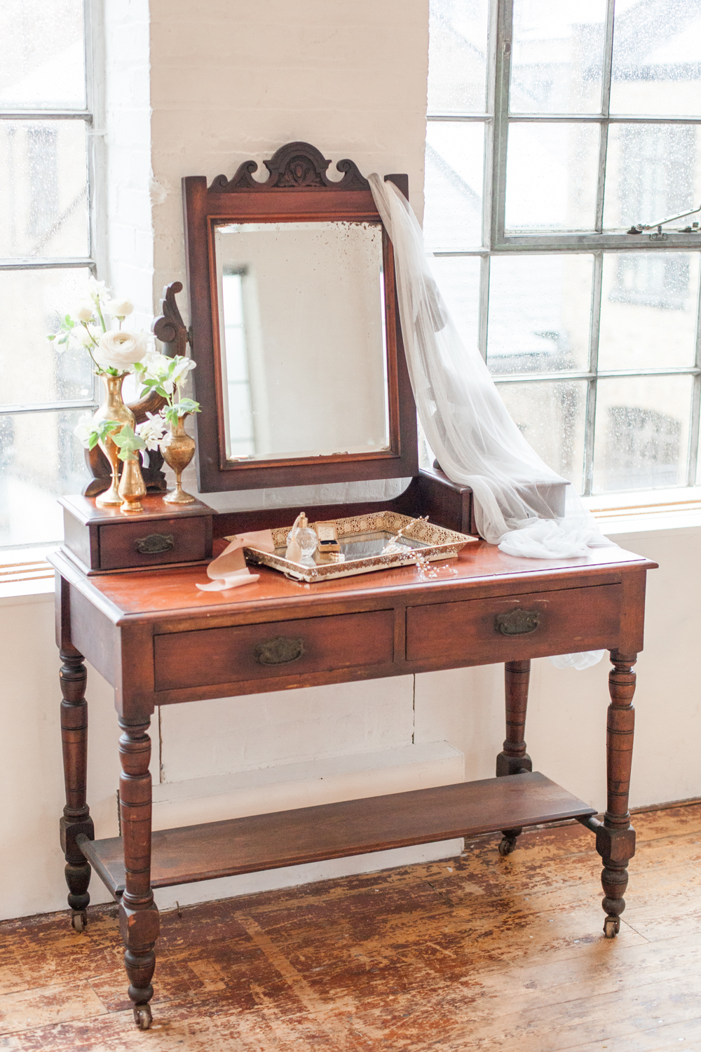 The Timeless Stylist-UK Wedding Styling-Elegant and Romantic Style Boudoir Shoot-Vintage Wedding Dressing Table