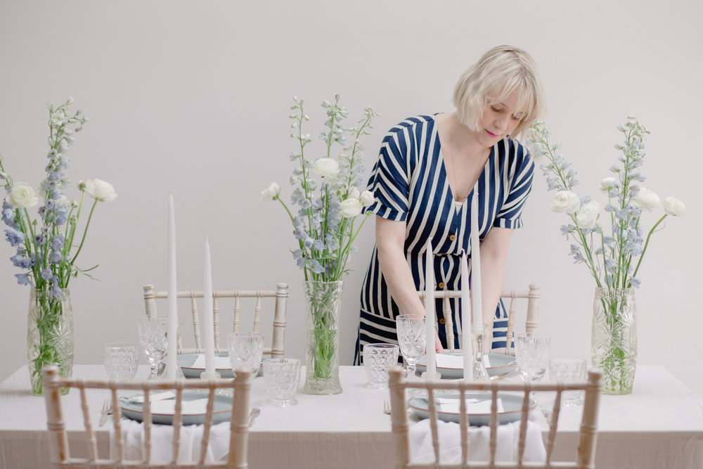 The Timeless Stylist-UK Wedding Design and Styling-Simple Summer Tablescape Styling-Blue and White Wedding