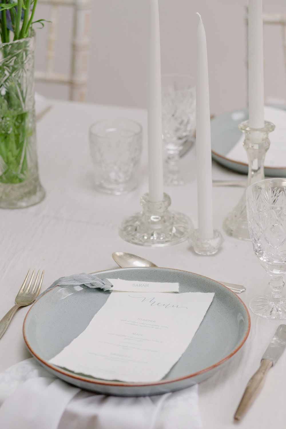 The Timeless Stylist-UK Wedding Design and Styling-Simple and Elegant Wedding Tablescape Inspiration