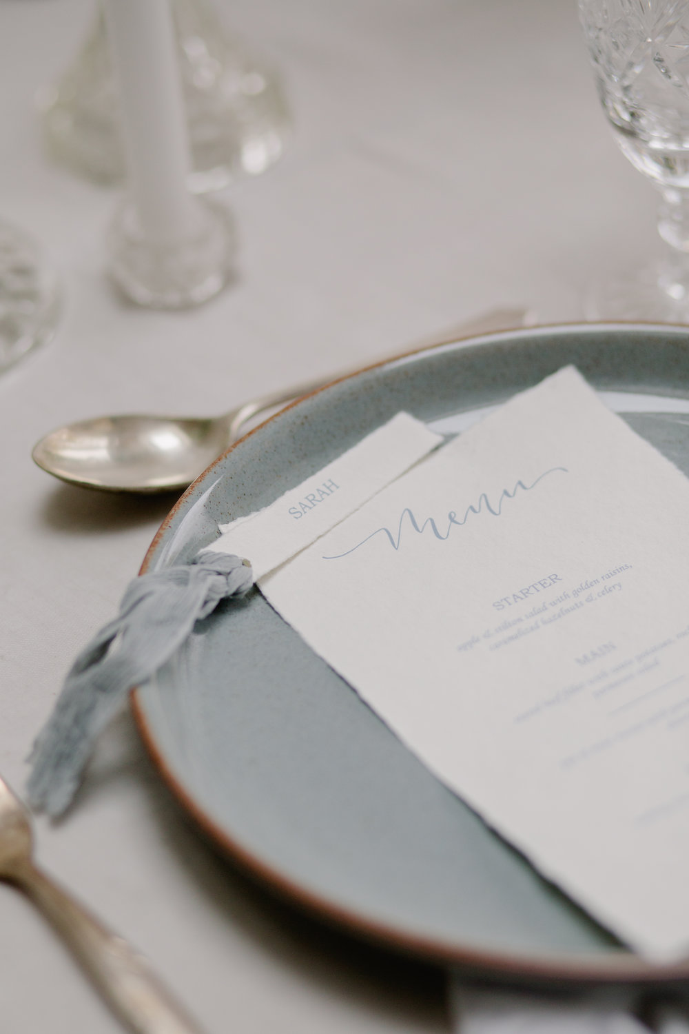 The Timeless Stylist-UK Wedding Design and Styling-Simple and Elegant Wedding Tablescape Inspiration-Blue Plates and Calligraphy Stationery