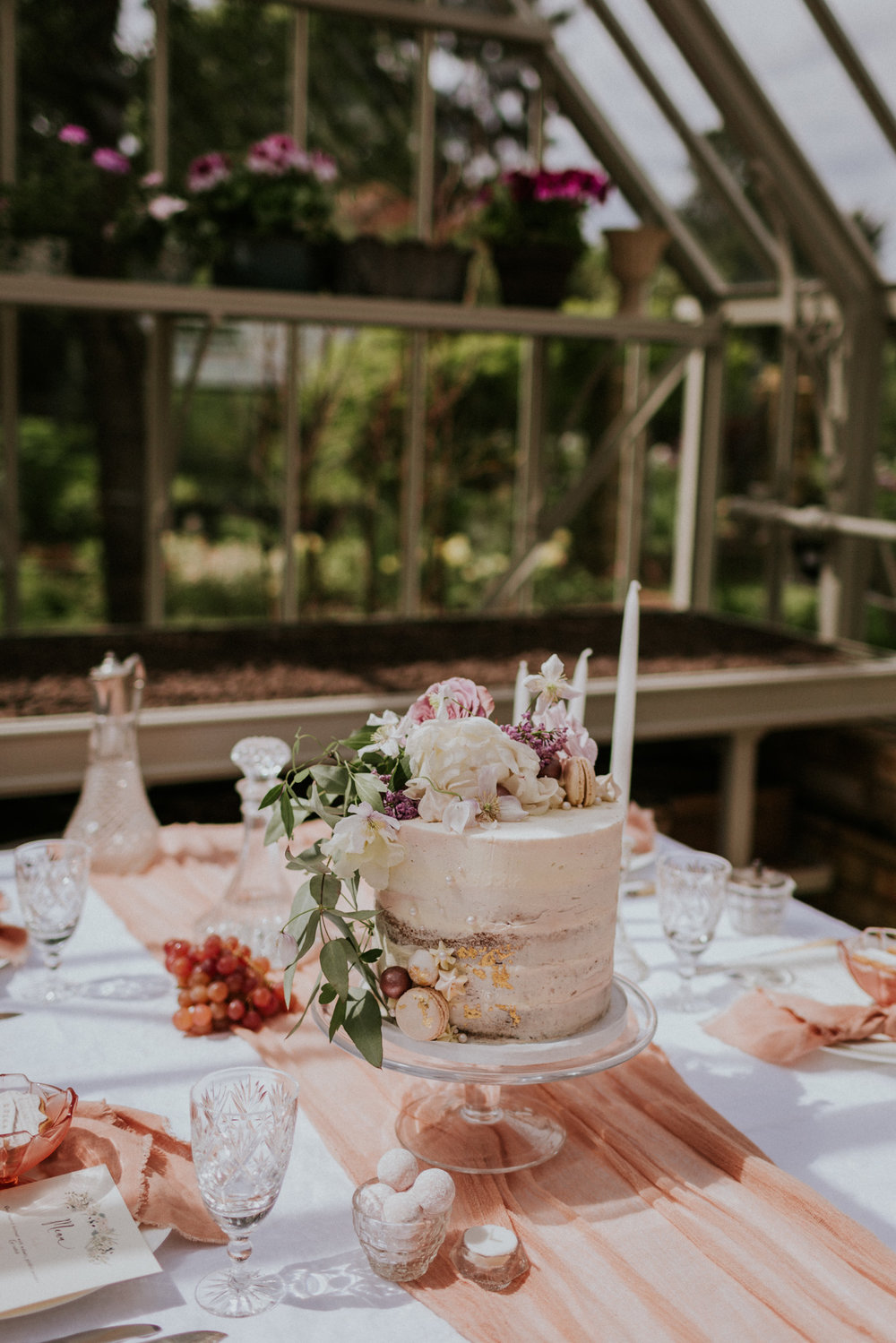 The Timeless Stylist - Relaxed Wedding Design - Wedding Cake