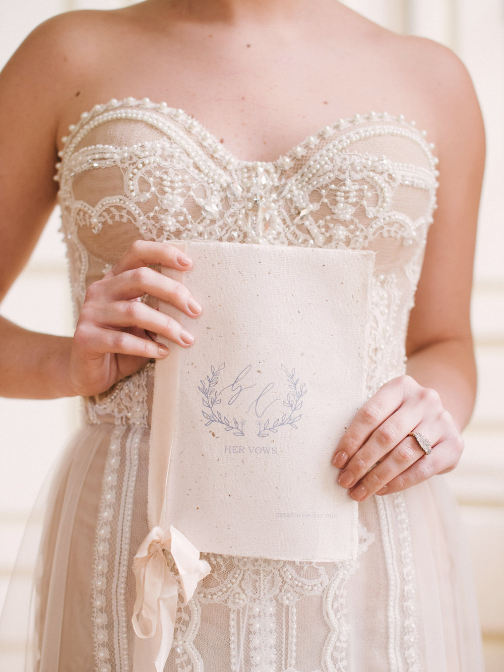 The Timeless Stylist-Neutral Fine Art Wedding Shoot