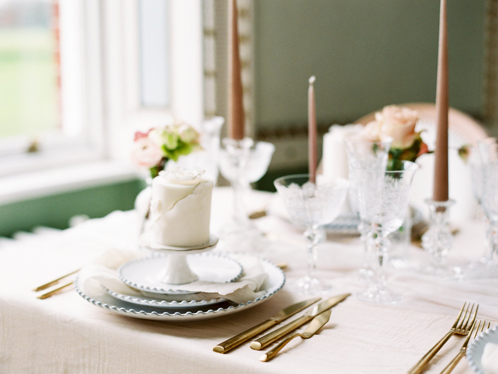 The Timeless Stylist-Elegant and Romantic Wedding Styling-Elegant and Romantic Wedding Tablescape