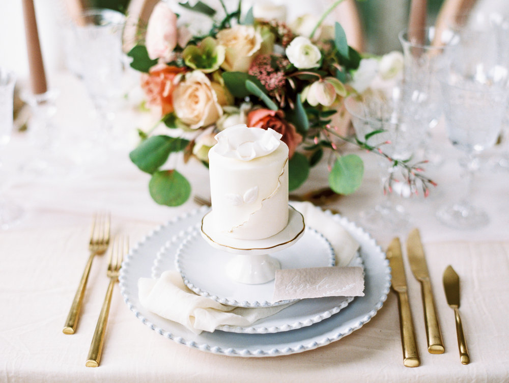 The Timeless Stylist-Elegant and Romantic Wedding Styling-Individual Cake Wedding Place Setting