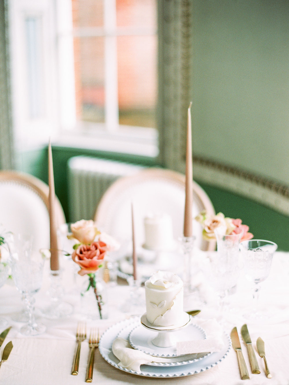 The Timeless Stylist-Elegant and Romantic Wedding Styling-Classic Neutral Wedding Table Styling with Gold Cutlery